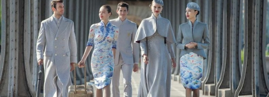 Le divise della Haianan Airlines all'haute couture di Parigi