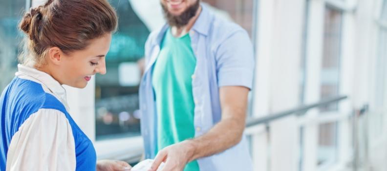 Lavorare come hostess di terra: ecco cosa occorre