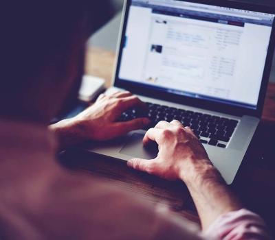 Giovani alle prese con i 'lavoretti': testimonianze dai social network